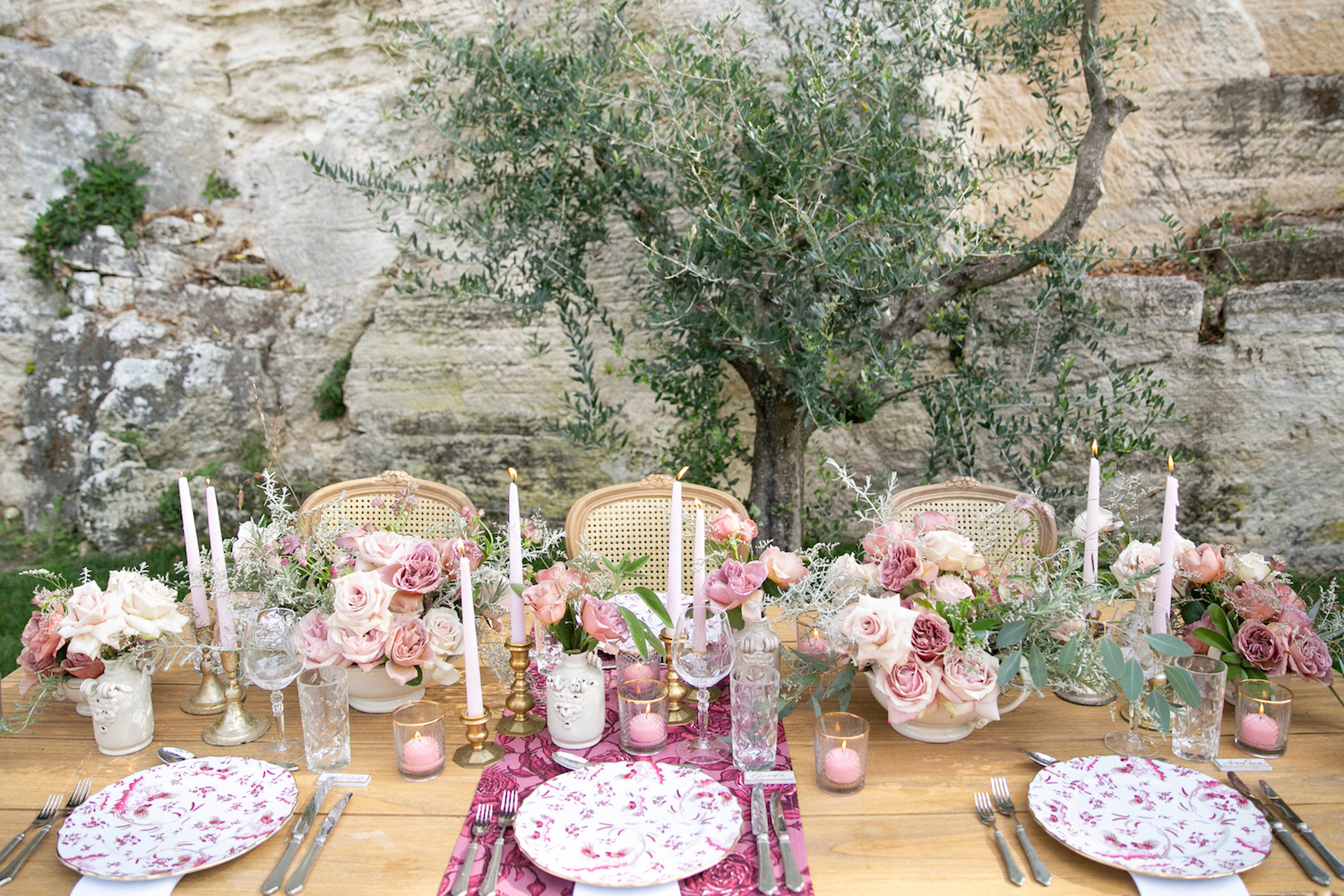 mauve, silver, gold and pink wedding table decor
