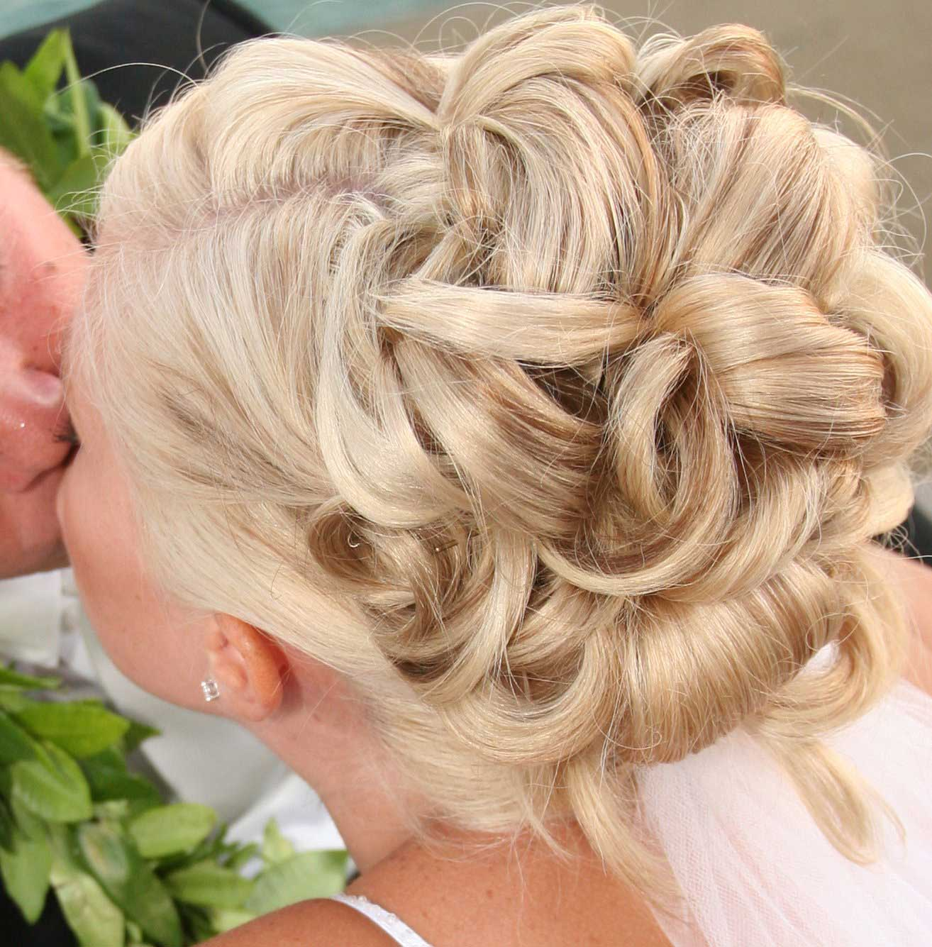 tropical wedding hairstyles